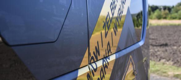 reklama na aucie - Opel Vivaro